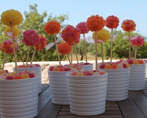 Centros de mesa infantiles con chuches arboles colores - Mesa de chuches casera ...