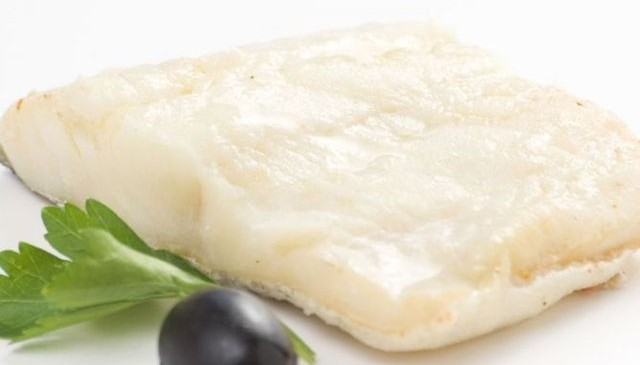 El bacalao un pescado blanco especialmente rico en proteínas, vitaminas y minerales