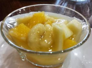 Macedonia con frutas de temporada
